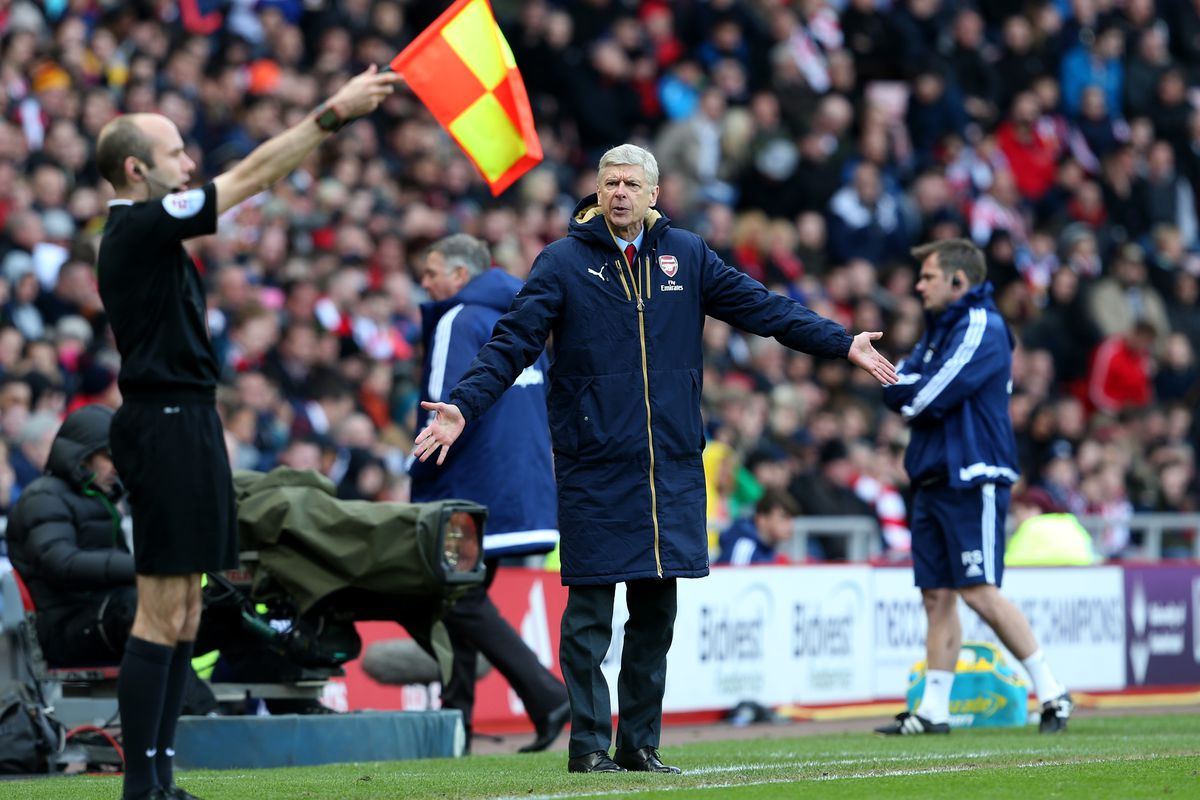 Arsene, enjoying his front row seat to the semaphore version of Wuthering Heights