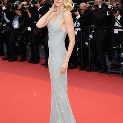 Naomi Watts in a Michael Kors gown and Giuseppe Zanotti heels at the 'Money Monster' premiere.
