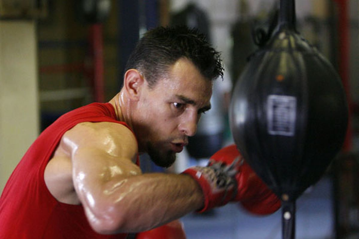 """Robert Guerrero helped make one of the best fights of the month.  via <a href=""""http://www.goldenboypromotions.com/media/2009/aug/8.20.09_wo/KG1.jpg"""">www.goldenboypromotions.com</a>"""