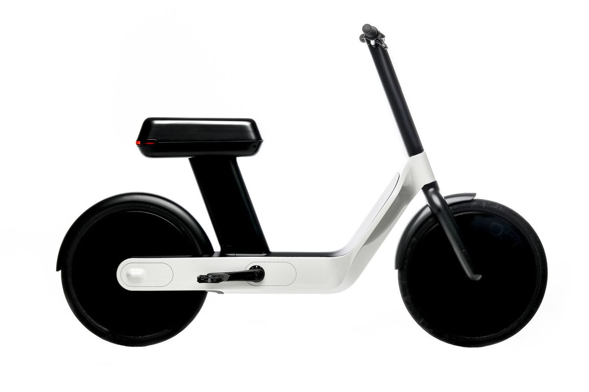 Sit Down Scooter >> The Karmic Oslo Is The Electric Love Child Of A Bike And A