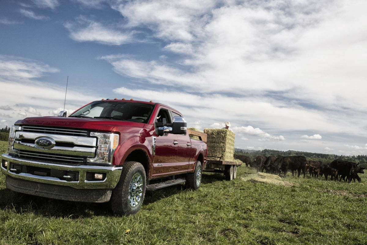 F250 Towing Capacity >> Ford F 250 Offers Beefier Capability More Power Extra Tow Capacity