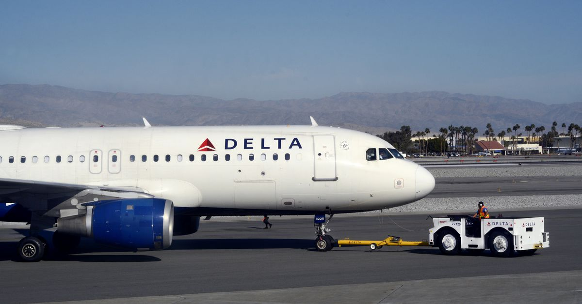 Delta told its workers to buy video games instead of unionizing - Vox.com
