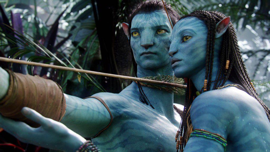 two blue aliens in Avatar