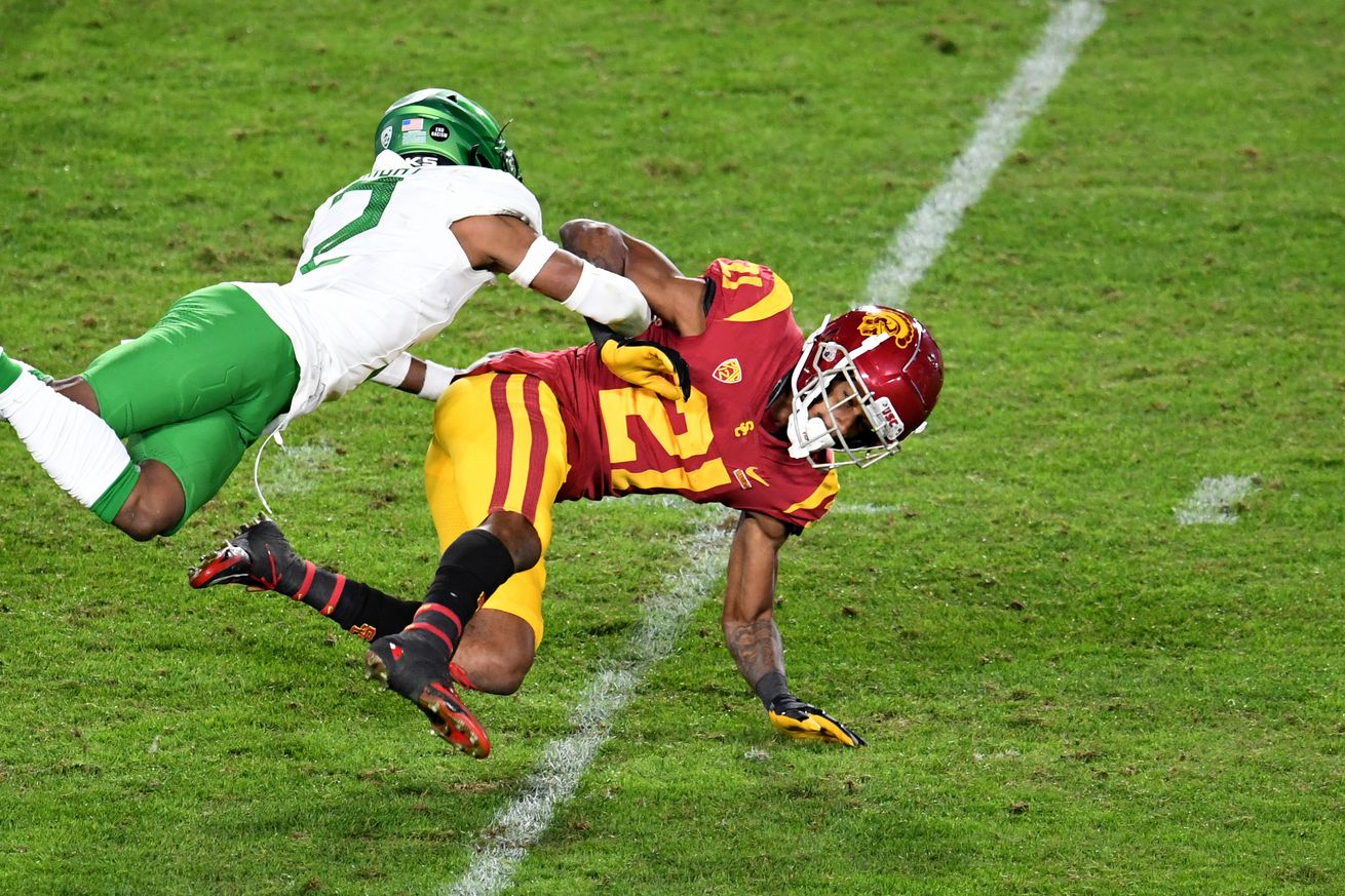 Oregon Ducks defeated the USC Trojans 31-24 to win the PAC 12 Championship.