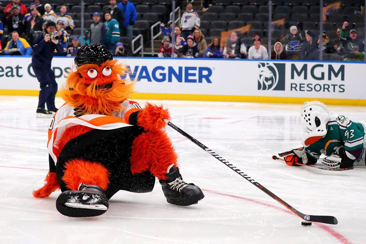 Philadelphia Flyers news: Sean Couturier's magic, second half predictions