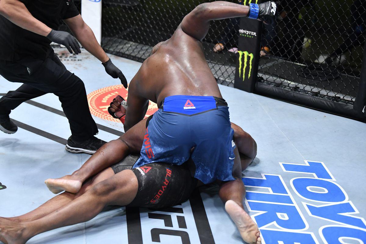 Image result for Derrick Lewis knocks out Blaydes