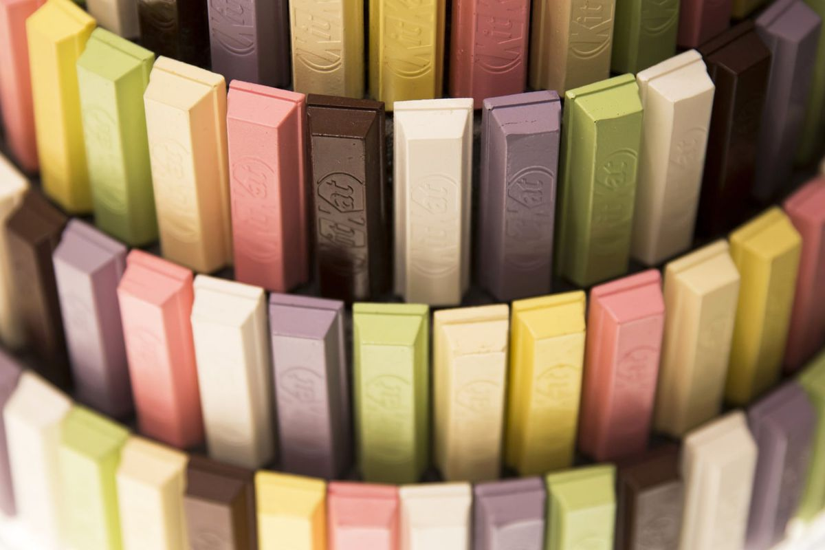 KitKat bars in many colours in Ginza, Japan
