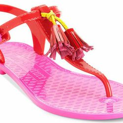 14 Jelly Sandals That You Re Allowed To Wear As An Adult
