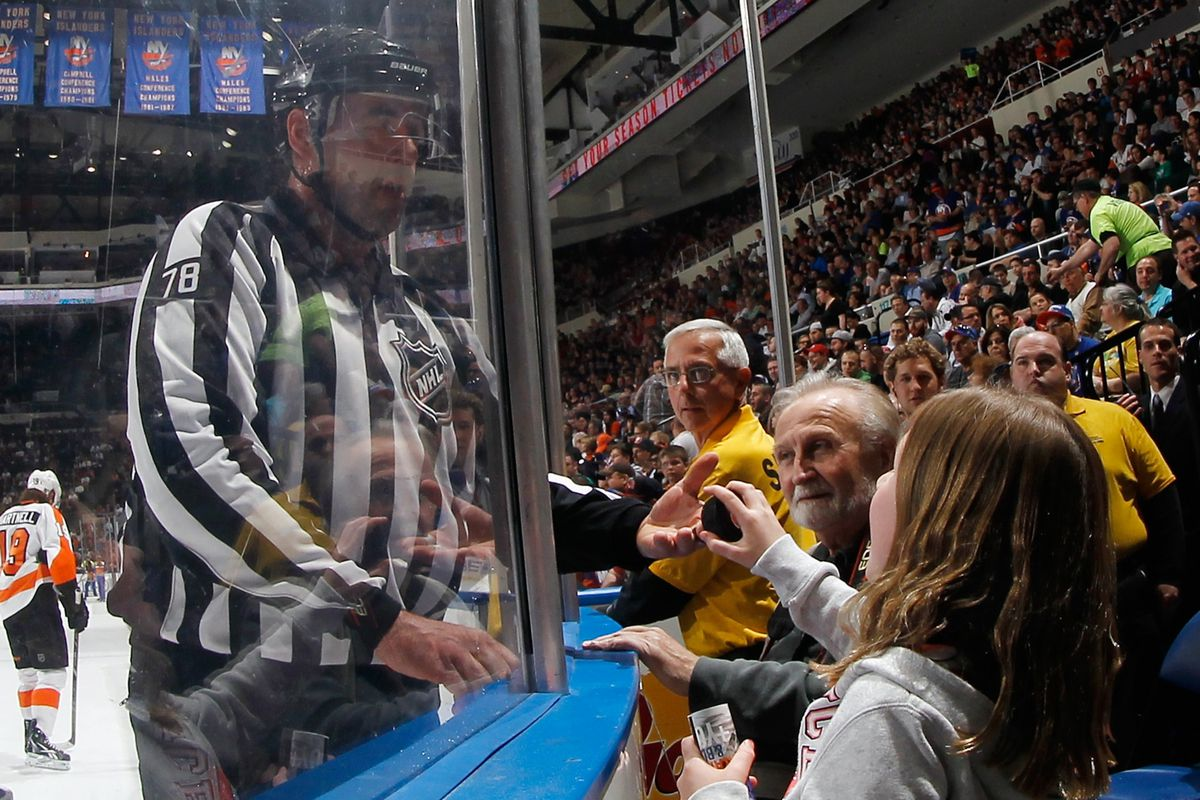 """""""Hey mister, there's $300 in this puck if you job the Rangers."""""""