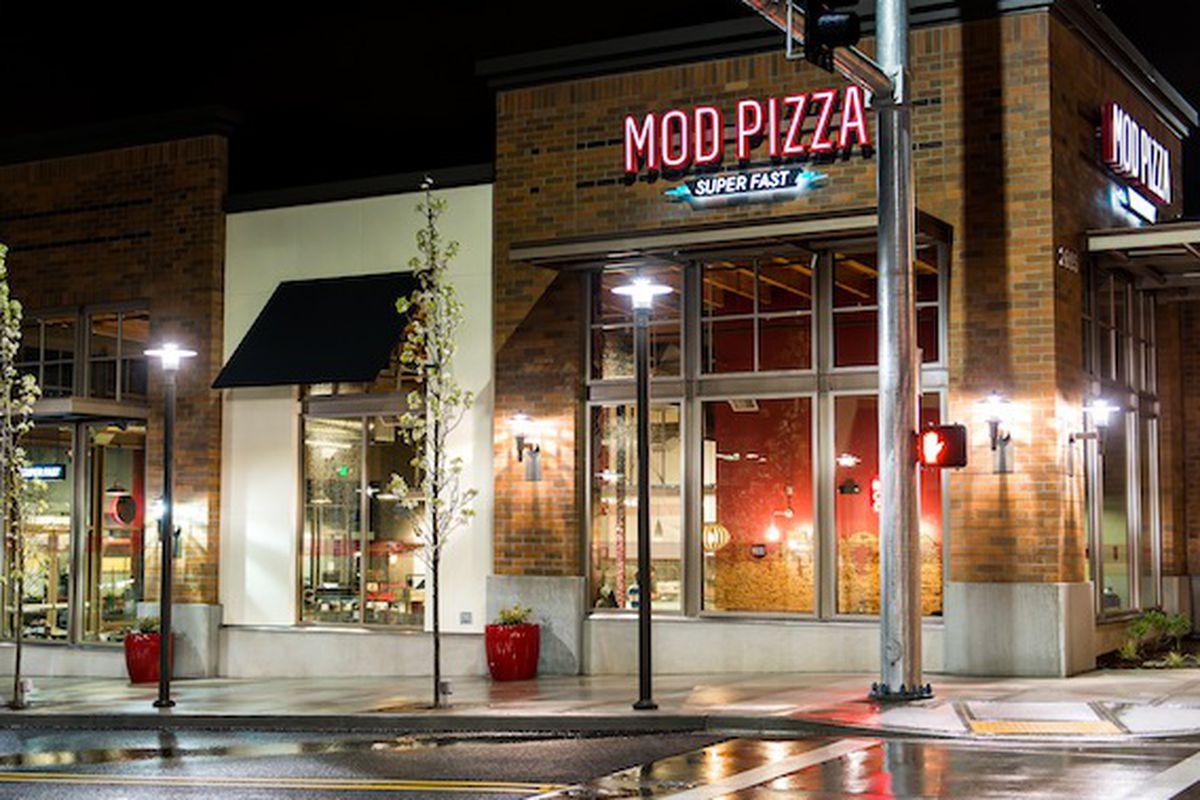 Fast Casual Pizza Chain Mod Pizza Plans Massive South