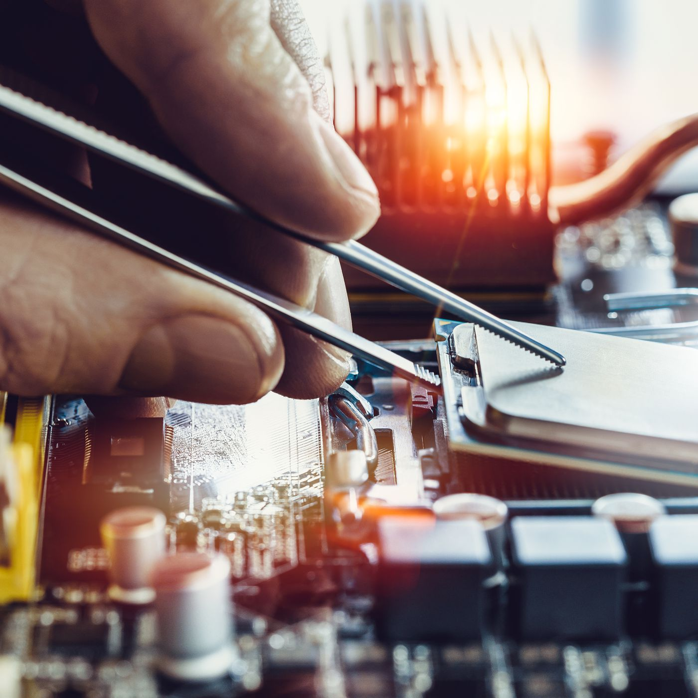 The Right To Repair Your Computer And Iphone Explained Vox