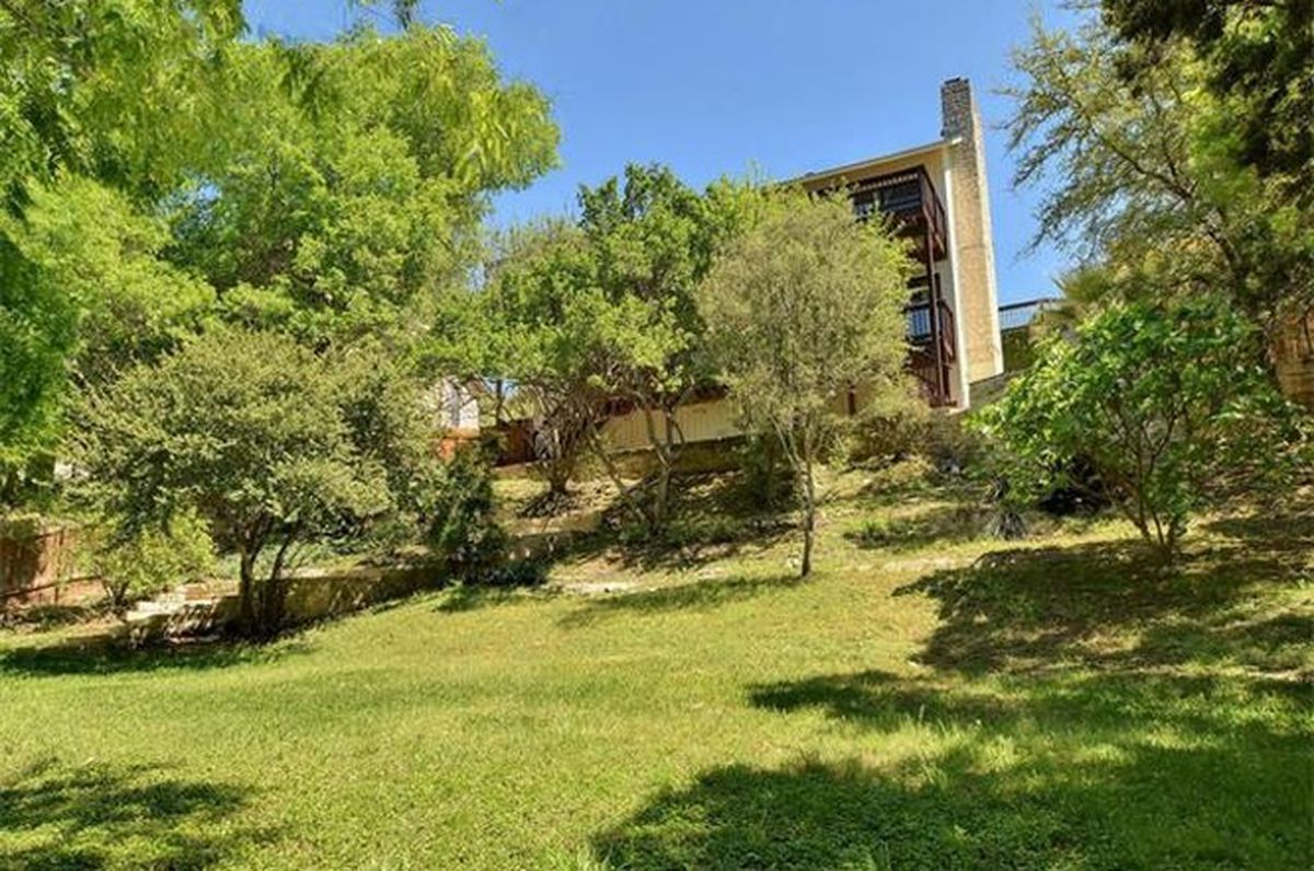 Classic 1970s Home With Views Asks 673k Curbed Austin