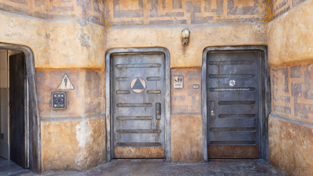 Disneyland\'s Star Wars Land bathrooms: where to find them ...
