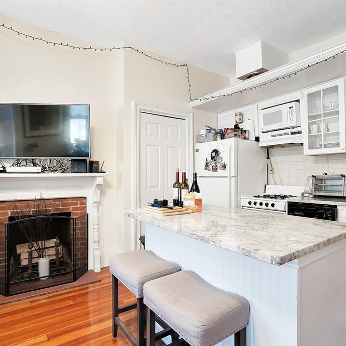 Tiny Beacon Hill Home Packs A Lot In Curbed Boston