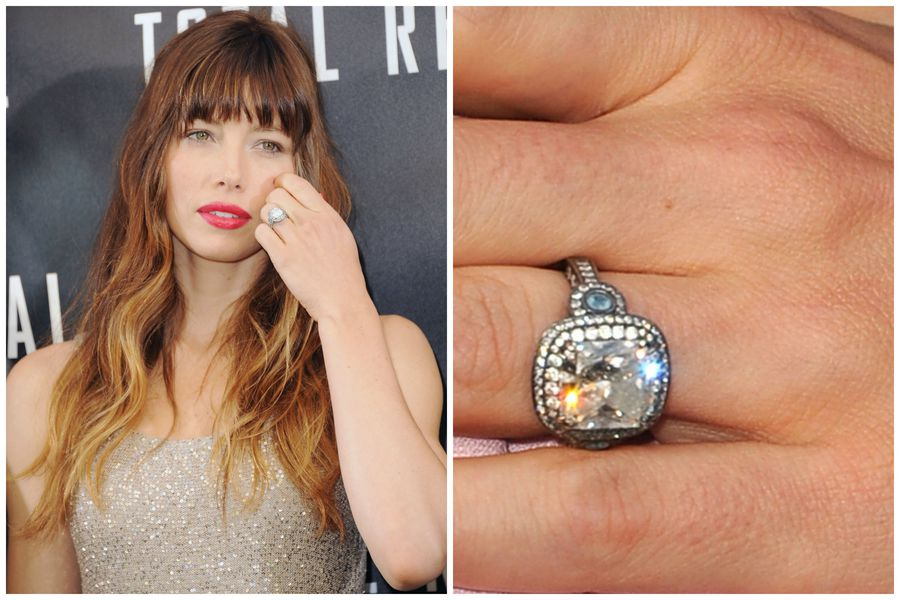 Note The Addition Of Aquamarine Jessica Biel S Birthstone On Sides Her 18 Carat Rounded Square Cut Diamond Ring A Thoughtful From Husband