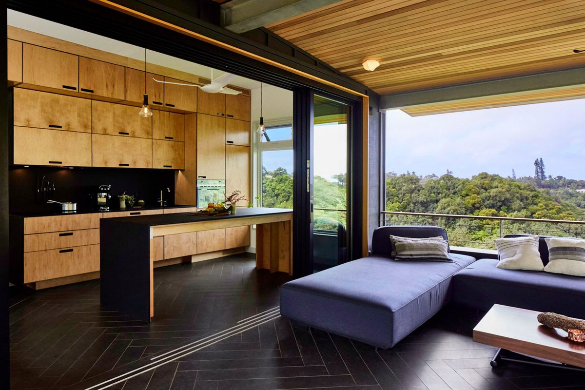 Indoor Outdoor Modern Home Lives The Off Grid Dream In Hawaii Curbed
