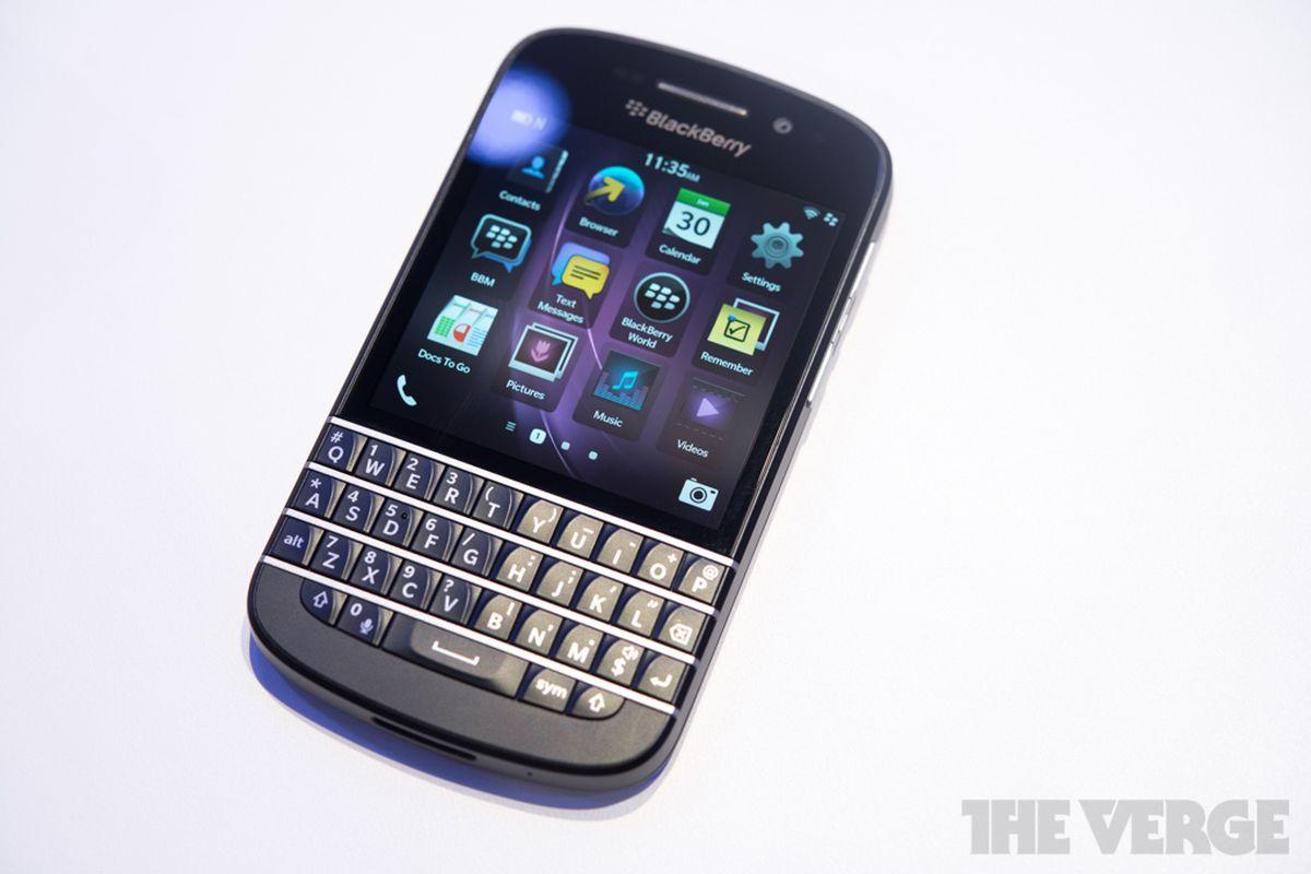 "via <a href=""http://cdn3.sbnation.com/entry_photo_images/7611647/blackberry-q10-hands-on-edit-16_verge_super_wide.jpg"">cdn3.sbnation.com</a>"