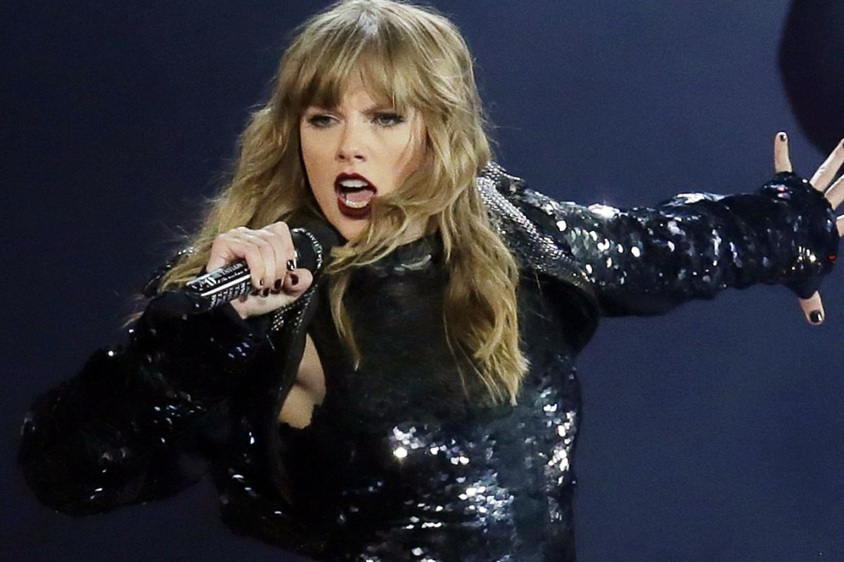 Taylor Swift Gives Pride Month Speech At Chicago Show Chicago Sun Times