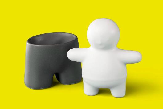 A salt and pepper shaker