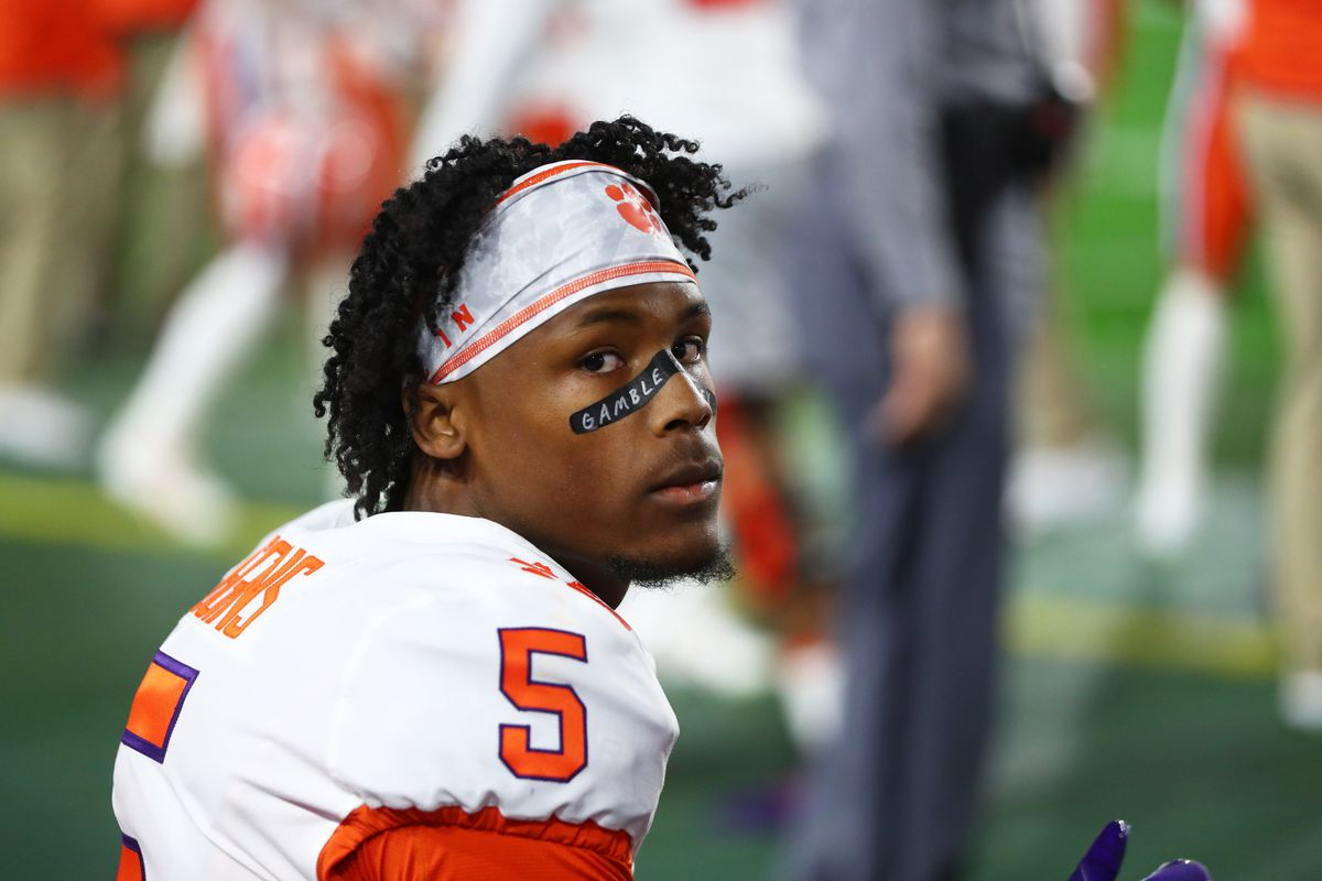 Clemson Tigers wide receiver Tee Higgins against the Ohio State Buckeyes in the 2019 Fiesta Bowl college football playoff semifinal game at State Farm Stadium.