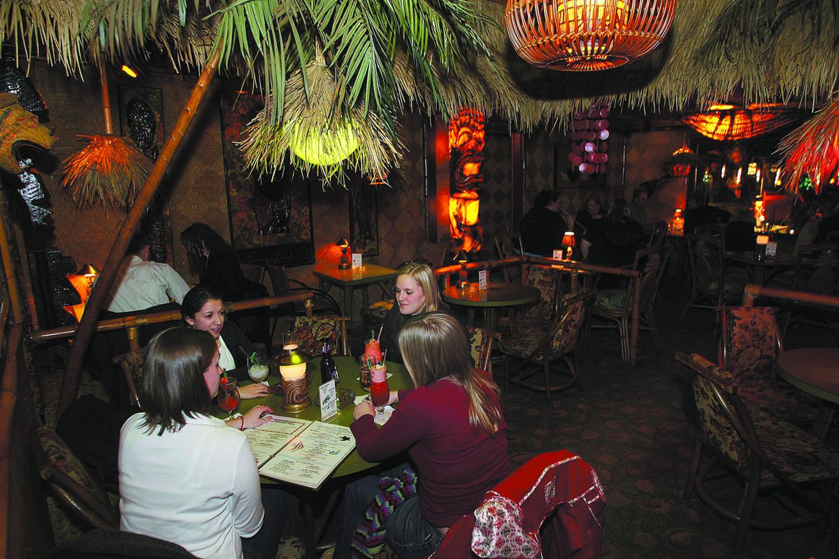 Patrons socialize over a tropical drink at the Hala Kahiki bar on River Road in River Grove. | Sun-Times file photo