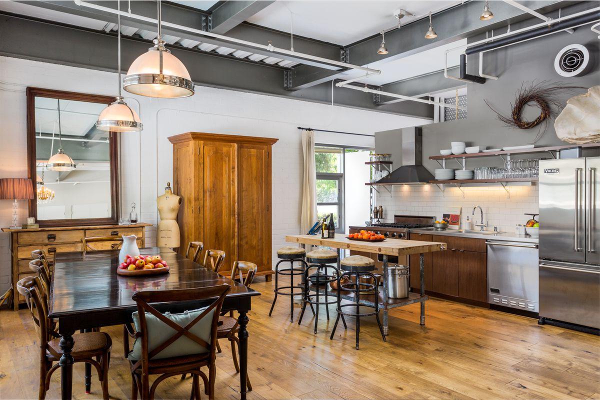 Bright South Pasadena Loft With Oak Floors Seeks 795k