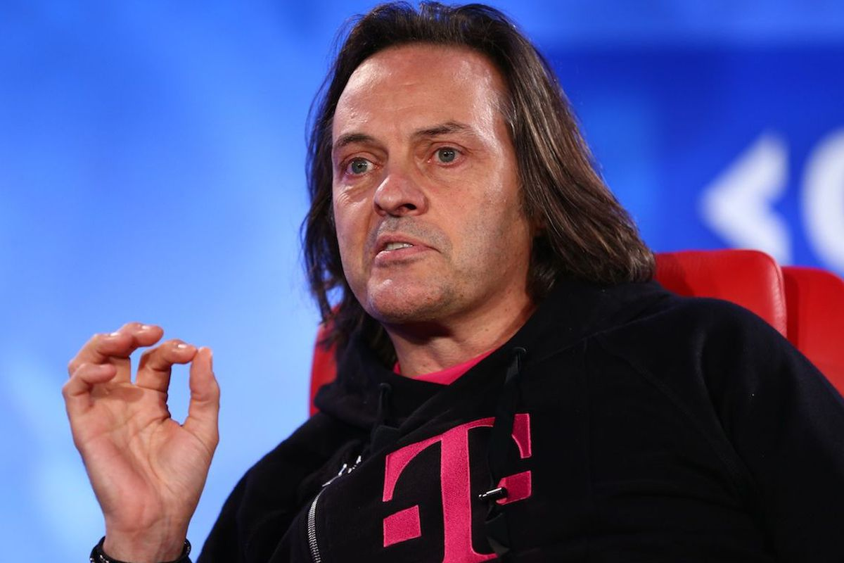 T-Mobile Will Let Subscribers Bring Tiny 4G LTE Towers Into