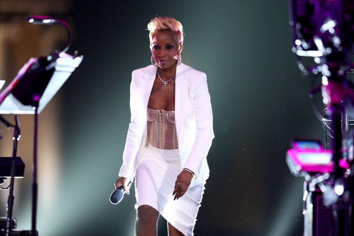 Mary J  Blige to kick off 'Strength' tour in Chicago - Chicago Sun-Times