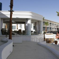 Outside, a complete dining venue with another 250 seats.