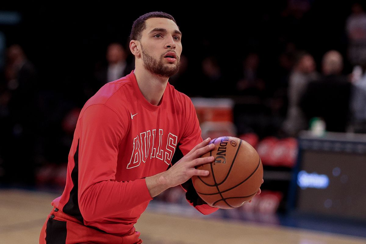 Chicago Bulls guard Zach LaVine warms up before his game against the New York Knicks at Madison Square Garden.