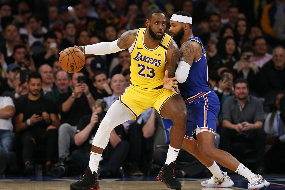 Lakers 100, Knicks 92 'We look like a bunch of kids playing against adults right now'