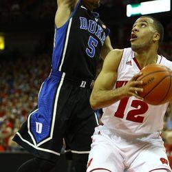 Traevon Jackson pump fakes a Duke defender