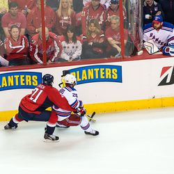 Laich and St. Louis Battle For Puck