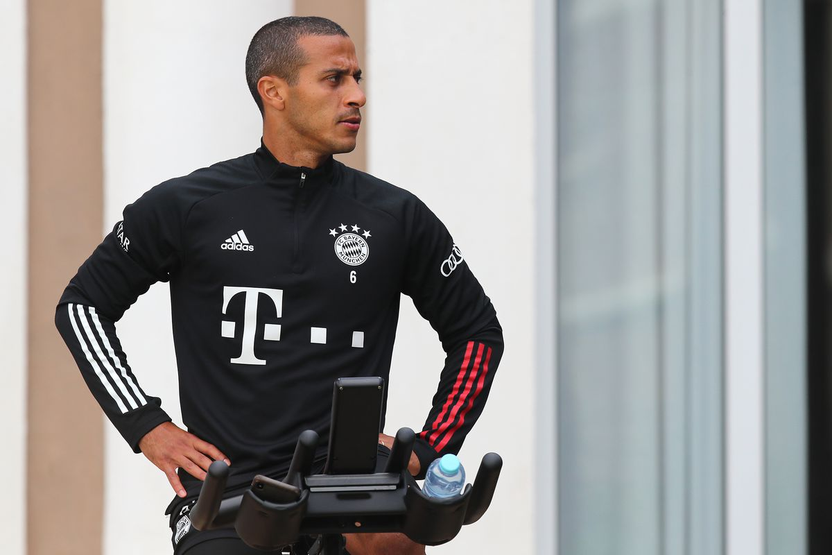 FC Bayern Muenchen - Cycling Training Session
