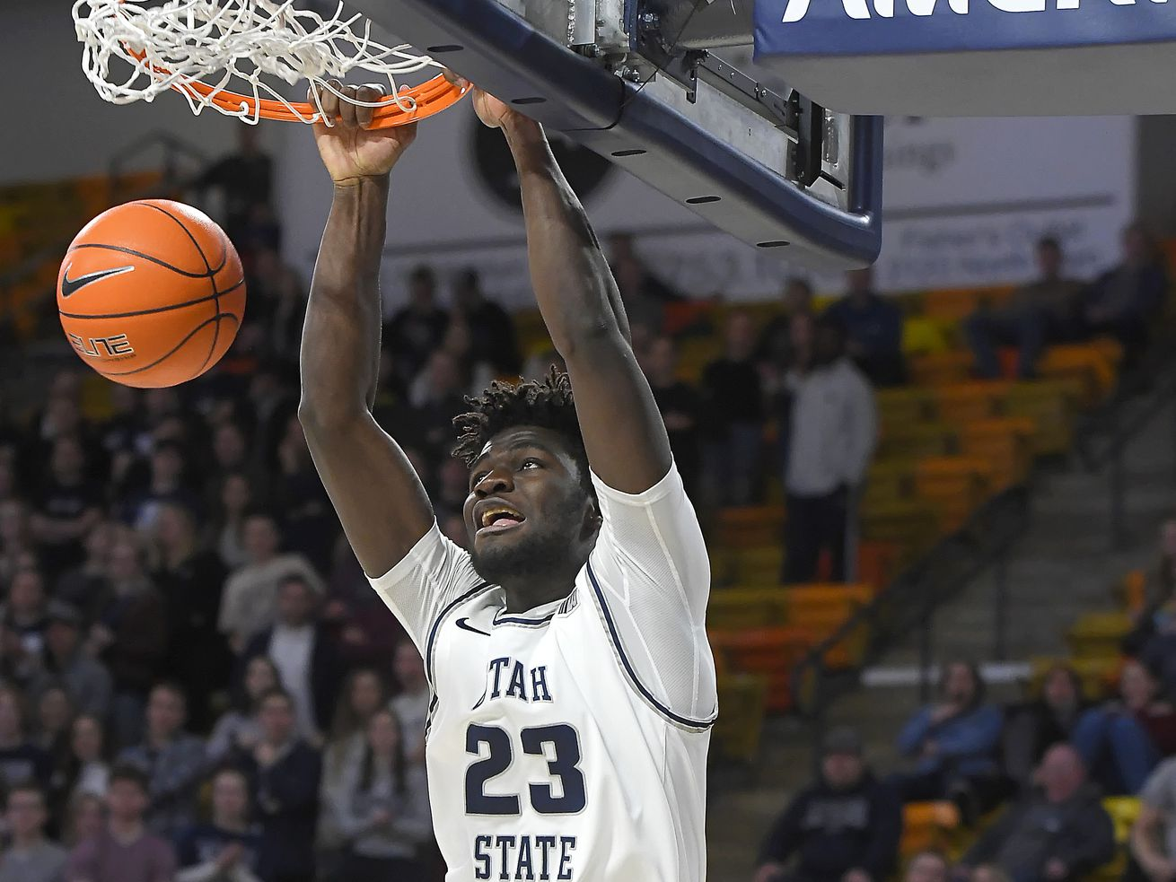 Utah State gets revenge, beats Air Force 72-47