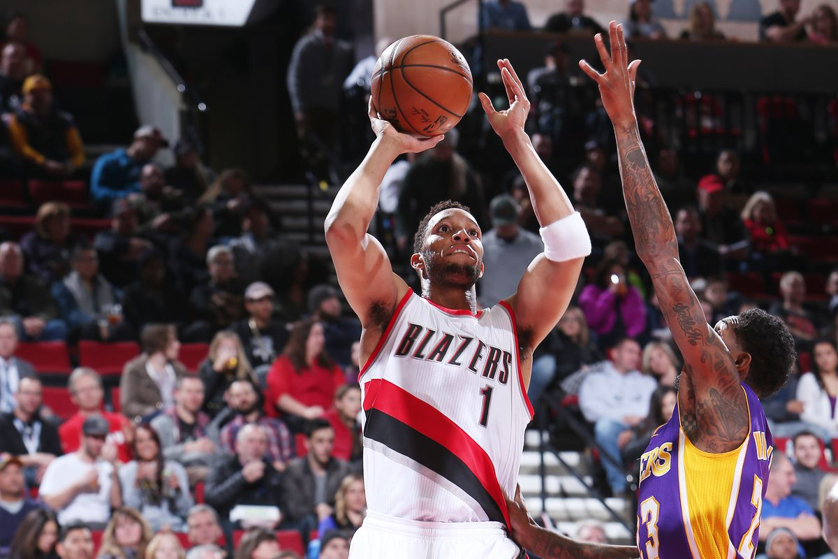 Evan Turner's Fourth Quarter Overwhelms Lakers; Blazers win 118 ...