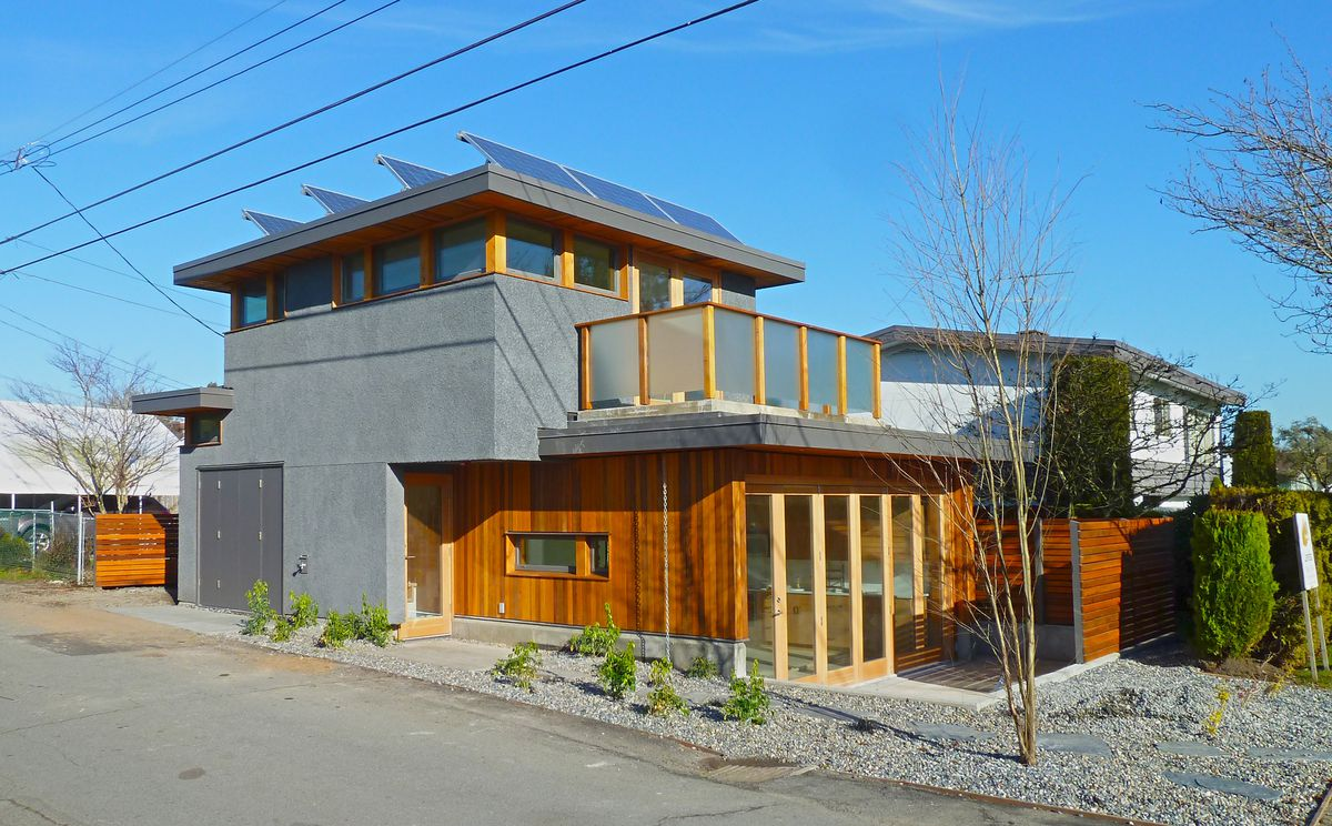 A Vancouver laneway house by Lanefab.