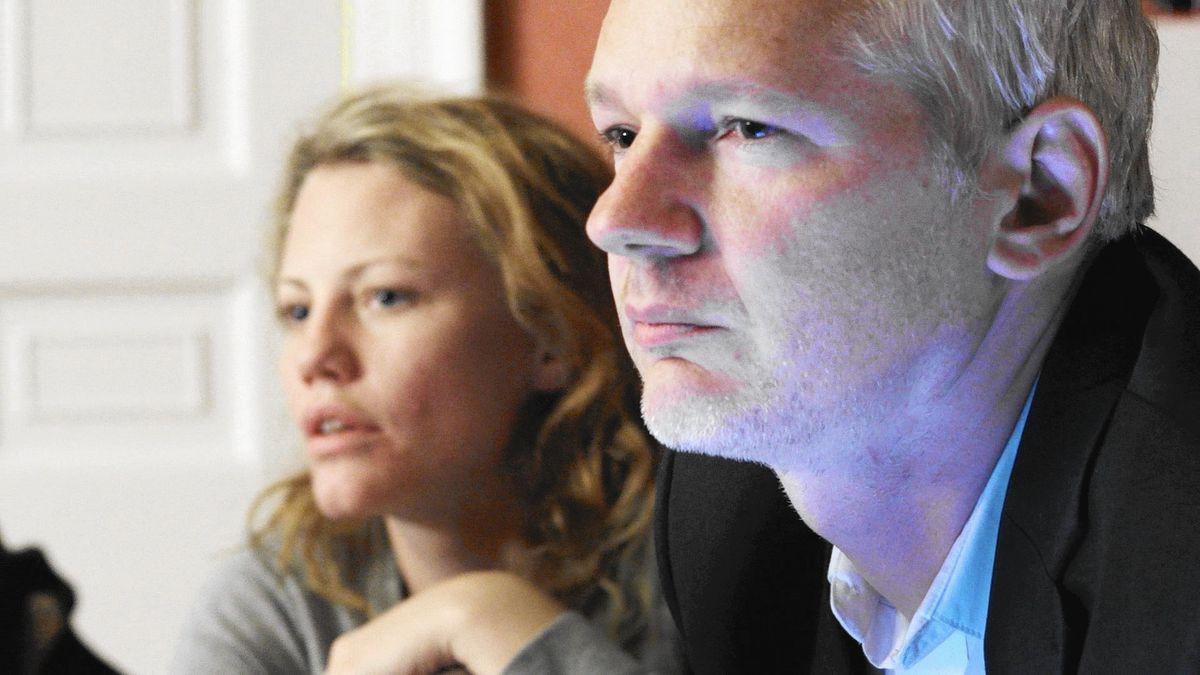 Julian Assange and Sarah Harrison in Risk