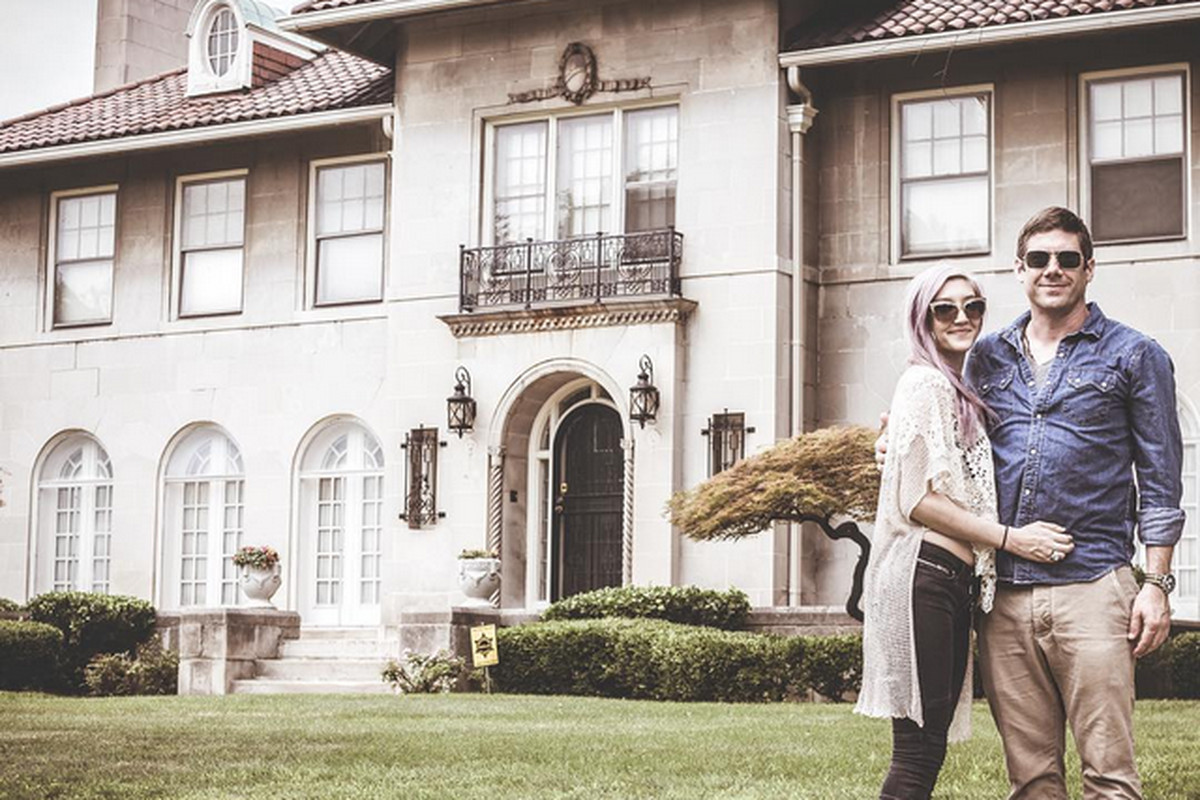 Curbed Detroit Wes Borland and fiancée Carré Callaway Buy Detroit Fixer - Curbed Detroit Images may be subject to copyright. Learn More
