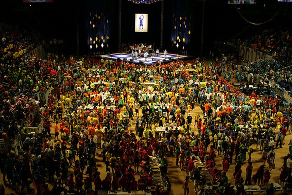 """Penn State THON 2010 (via <a href=""""http://www.flickr.com/photos/justinwyne/4381192746/"""">justinwyne (reprinted with a Creative Commons license)</a>)"""