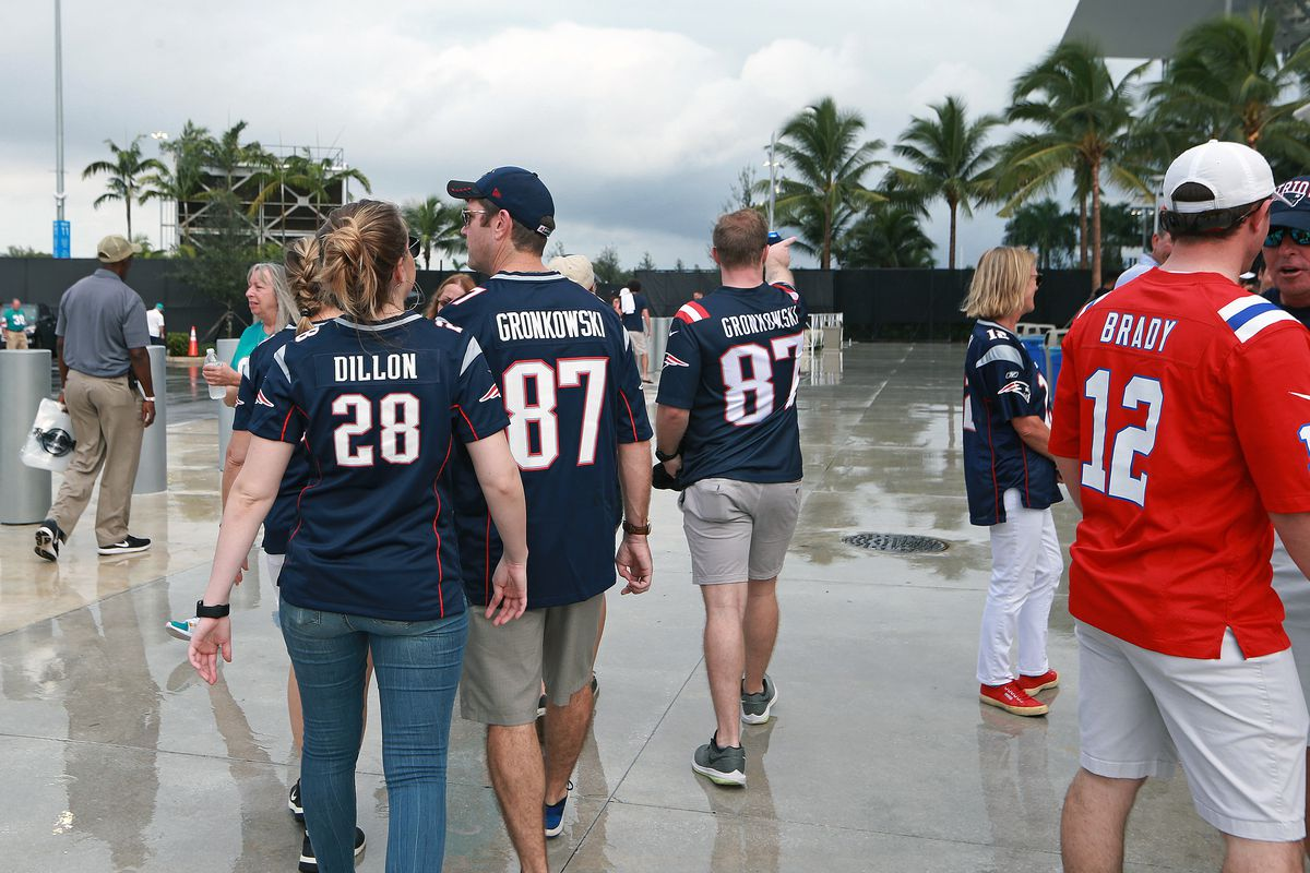 New England Patriots Vs Miami Dolphins At Hard Rock Stadium