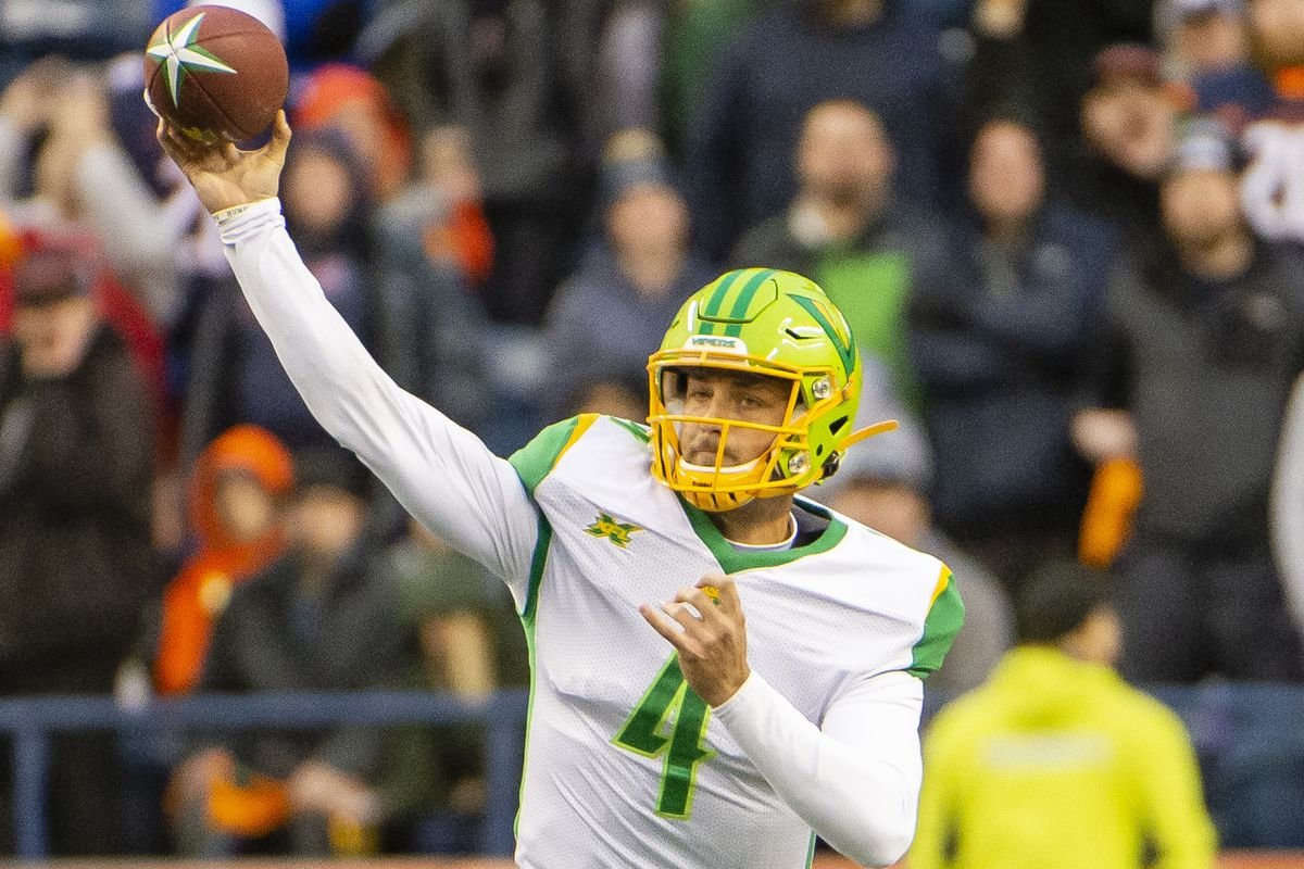 Tampa Bay Vipers quarterback Taylor Cornelius throws a pass against the Seattle Dragons during the second half at CenturyLink Field.