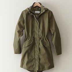 """<a href=""""http://www.stevenalan.com/SEASIDE-PARKA/842776094902,default,pd.html#cgid=womens-jackets-outerwear&view=all&frmt=ajax&start=0&hitcount=32"""">Seaside Parka</a> at Steven Alan, $375"""