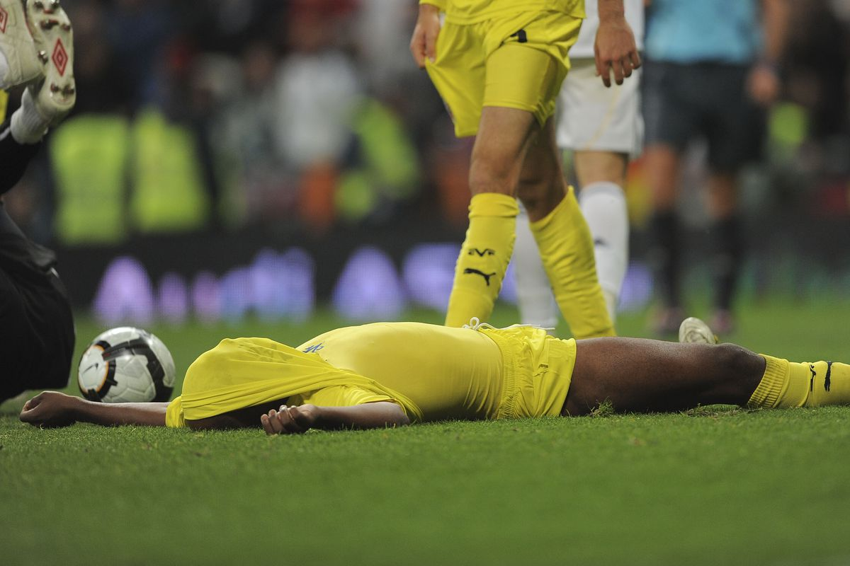 Hopefully we'll have less of this on Sunday....Marcos Senna reacting to another Madrid goal in 2010