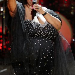 Aretha Franklin performs during the Mandela Day Celebration in 2009. | Michael Loccisano/Getty Images