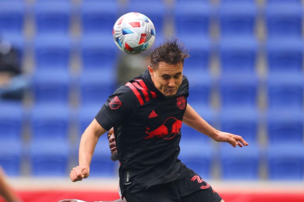 SOCCER: MAY 08 MLS - Toronto FC at New York Red Bulls