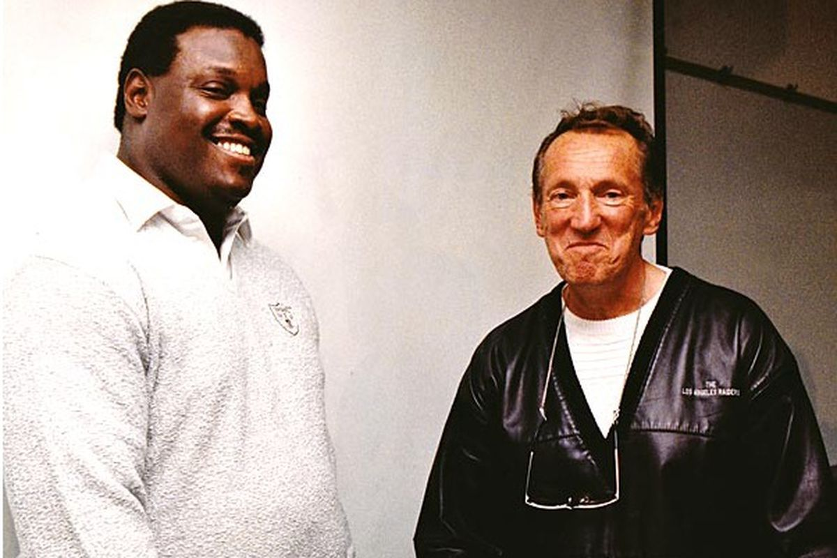 Art Shell and Al Davis upon Shell's hiring as head coach in 1989 (photo by Los Angeles Times)