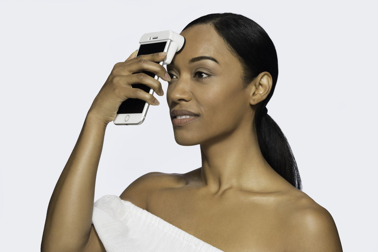 neutrogena has made an iphone scanner that magnifies your skin issues