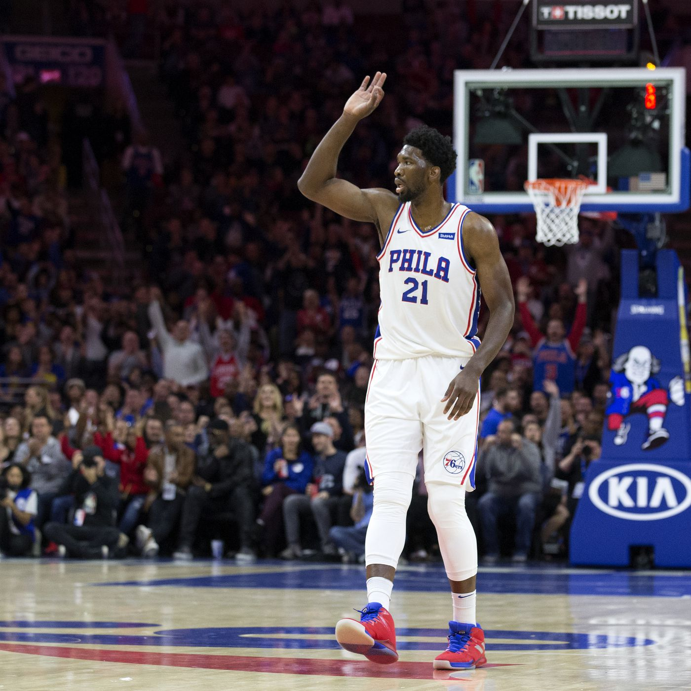 size 40 8f70d a32c9 How Joel Embiid and Andre Drummond became embroiled in big-man beef