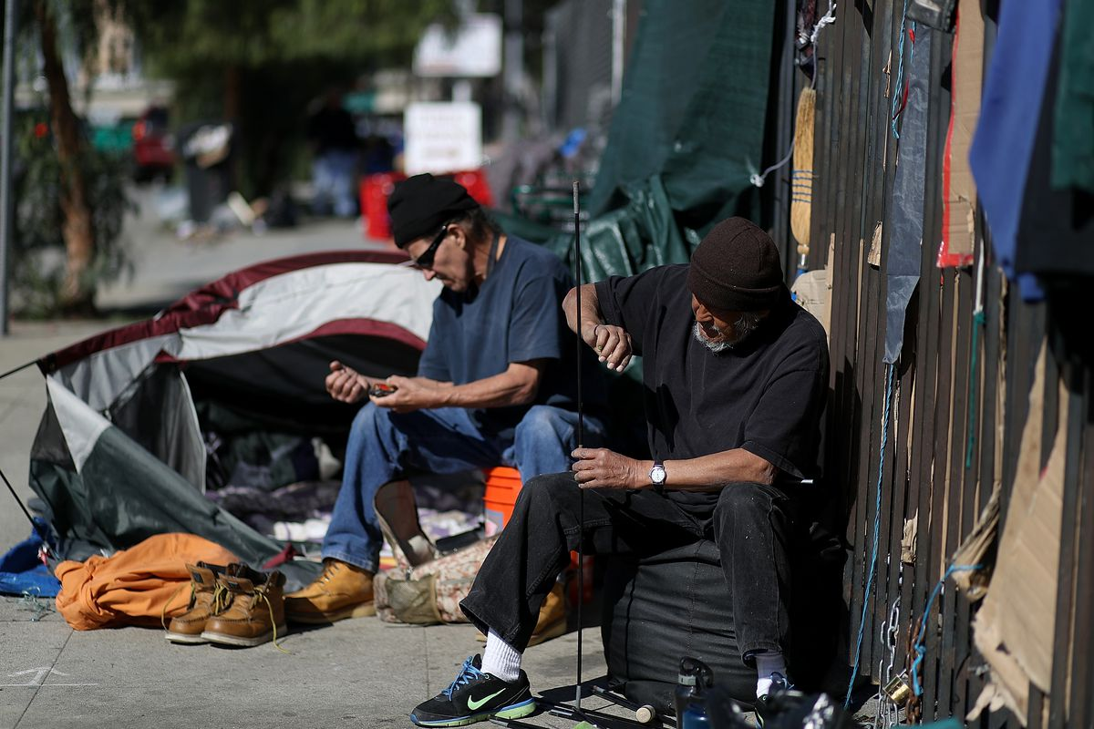 County wants to turn sylmar armory into 24 7 homeless for Los angeles homeless shelter
